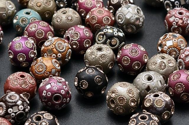 lac bead